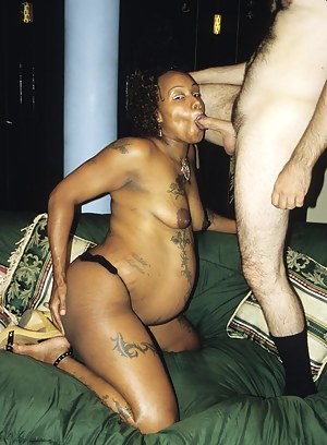 MILF Reverse Interracial Porn Pictures