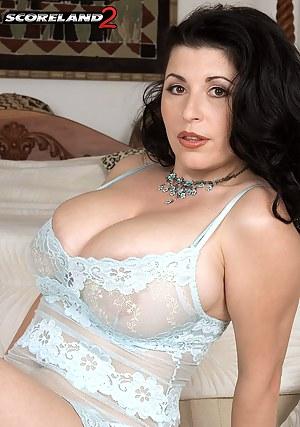 MILF Lingerie Porn Pictures