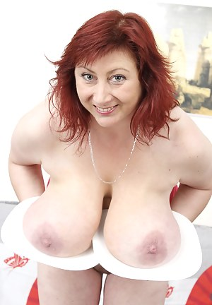 Kinky MILF Porn Pictures