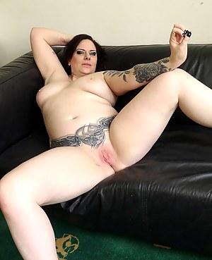 Emo MILF Porn Pictures